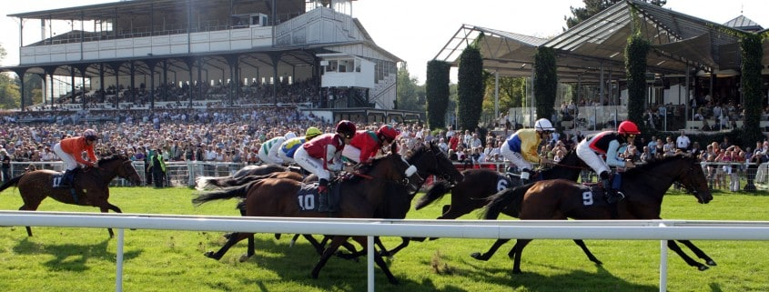 Tribuene - Zuschauer - Publikum - Rennen Kapitale